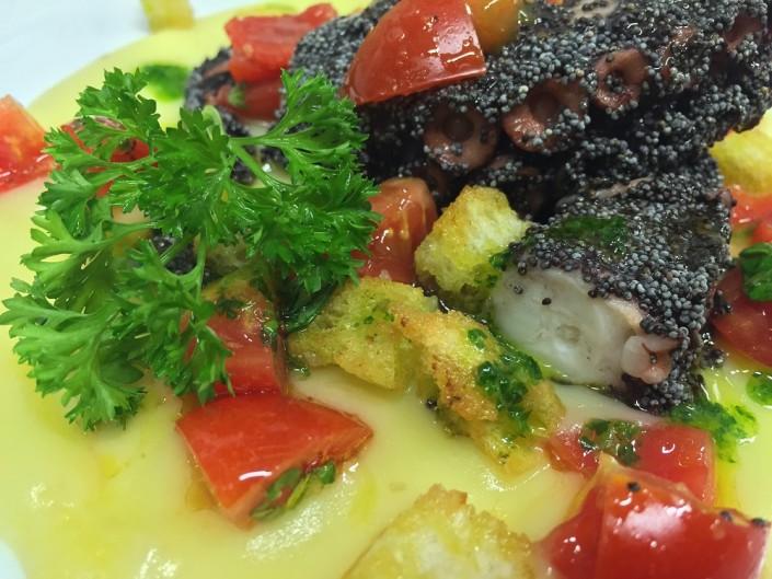 Ristorante Maestrale Roma pesce - Insalata di polpo in crosta di semi di papavero