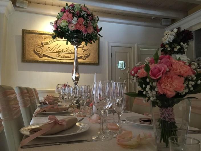 Ristorante Maestrale Roma pesce - La sala degli specchi pronta per il pranzo di matrimonio.