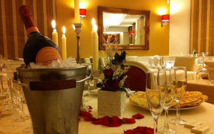 Ristorante Maestrale Roma Pesce - Champagne nella sala dei fiori
