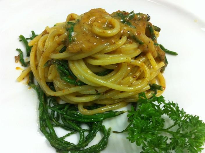 Ristorante Maestrale Roma pesce - Spaghetto ricci e asparagi di mare