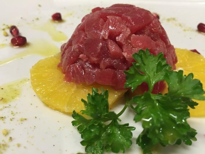 Ristorante Maestrale Roma pesce - Tartare di tonno e arancia. Gusto classico.